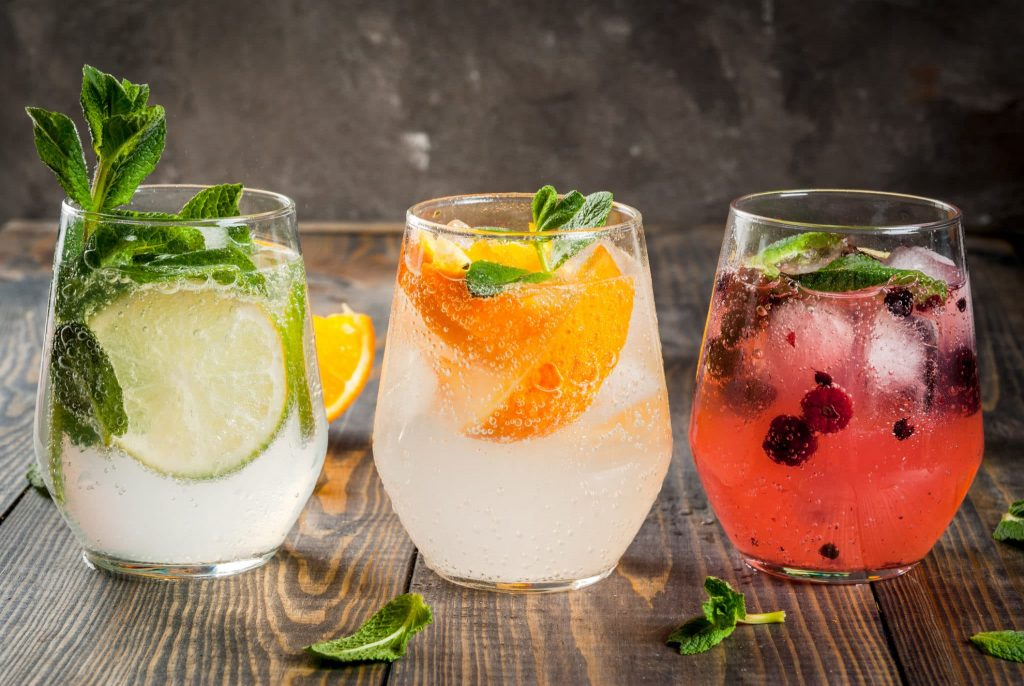 Cater Your Guests With Cool Cocktails At Your Summer Wedding