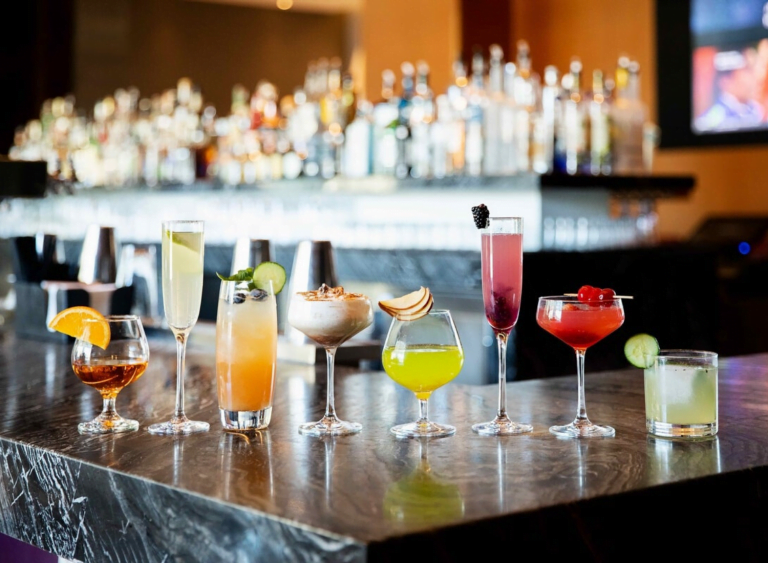 9 Classic Hollywood Cocktails You Will Absolutely Adore