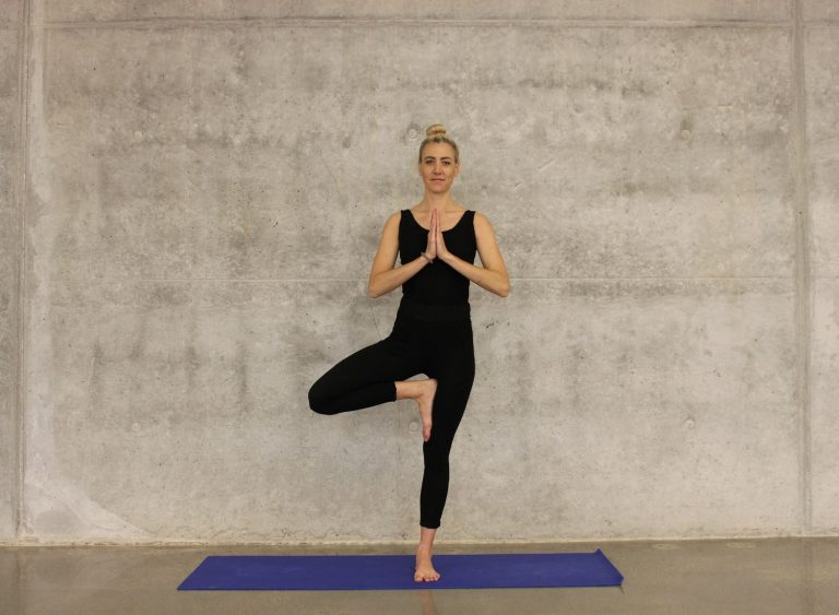 Understand 8 Benefits Of Yoga For A Healthy Body