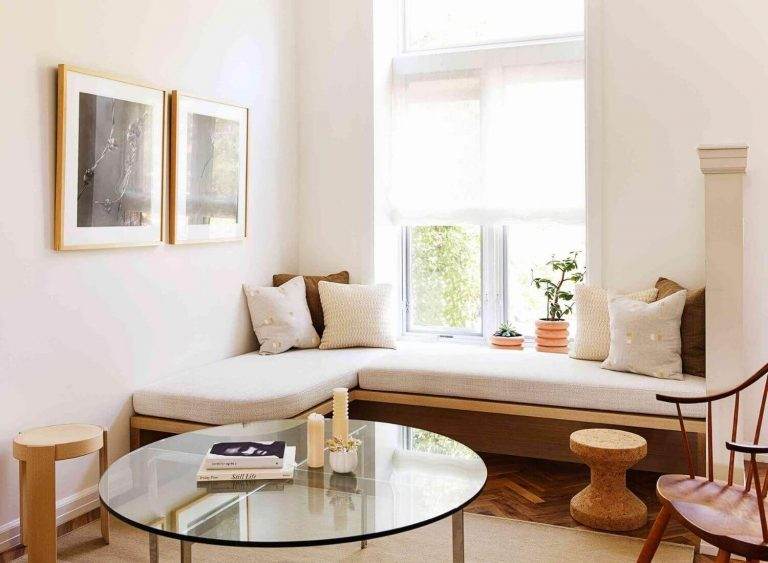 6 Things You Can Do With The Awkward Corner At Your Home!