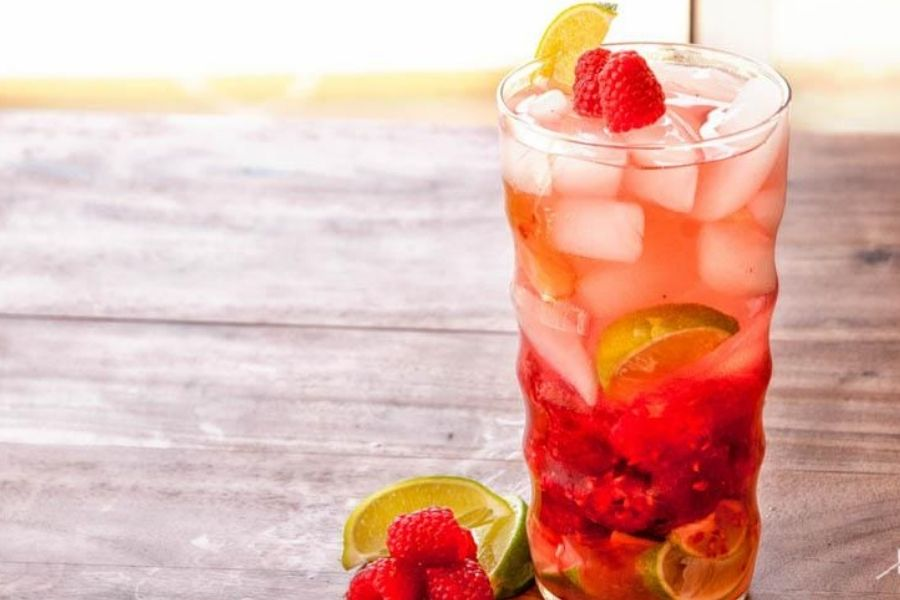 Raspberry And Lime Detox Water