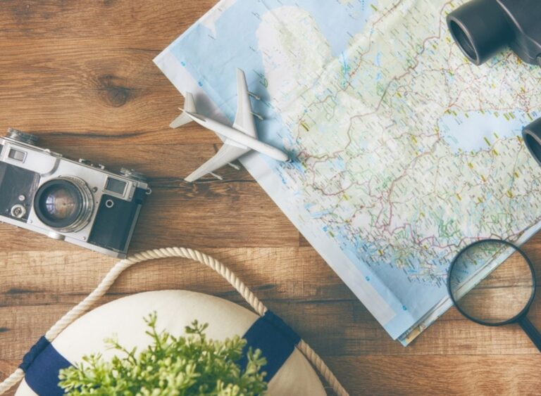 13 Ways To Make Money While Travelling