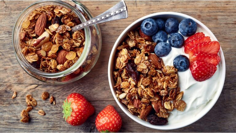 Homemade Granola & It's 3 Delicious Variations